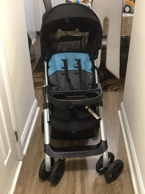 Graco car seat and his stroller , used buy still in good condition , no smoking and pet house . for Sale in Hyattsville, MD