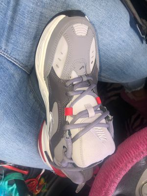 Size 8.5 Nike Shoes Grey Red White for Sale in Lancaster, CA