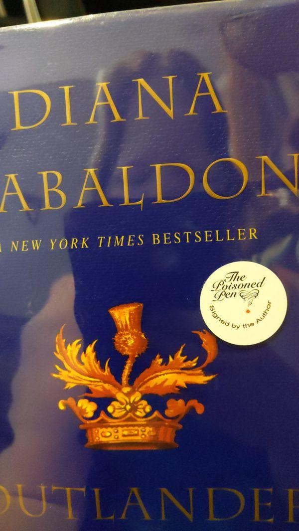 Signed copy of Outlander by Diana Gabaldon