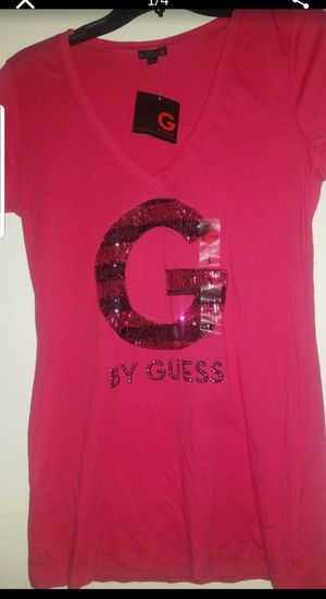 Guess shirt size large in juniors tag still on it for Sale in San Fernando, CA
