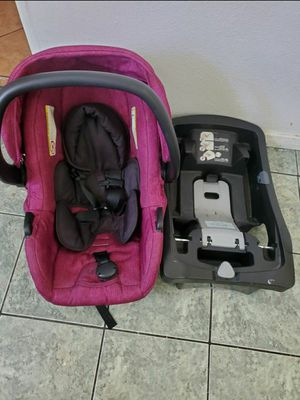 Car seat + base for Sale in E RNCHO DMNGZ, CA