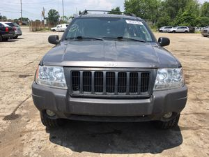 Parting out 2004 Jeep Grand Cherokee 4x4 for Sale in New Castle, PA