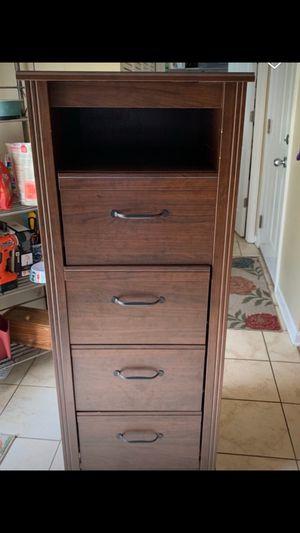 Tall dresser for Sale in Carpentersville, IL