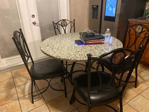 Kitchen table and 4 chairs for Sale in Fort Lauderdale, FL