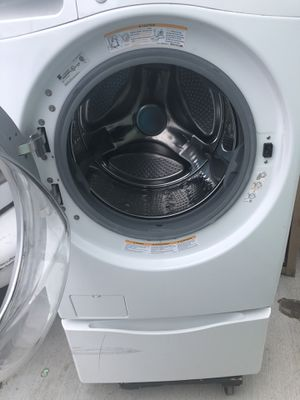 Kenmore front load washer / pedestal $300 for Sale in Industry, CA