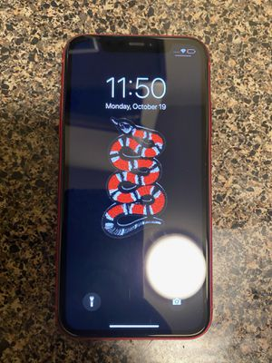 iPhone 11 for Sale in Lynwood, CA