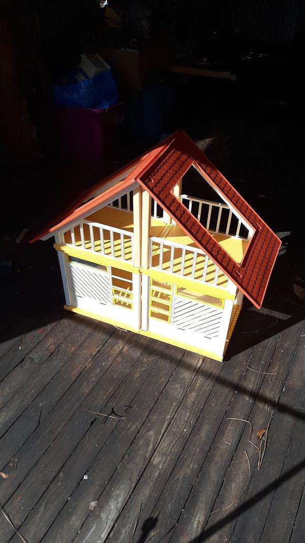 1970s Vintage Barbie Doll House