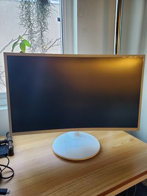 SAMSUNG 27IN CURVE MONITOR for Sale in Playa del Rey, CA
