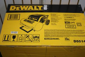 DeWalt D55146 4.5 Gallon Wheeled Portable Air Compressor for Sale in Miami, FL