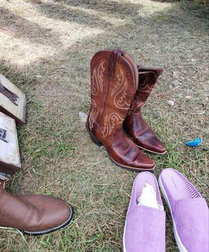 Ariat 6.5 B Boots for Sale in Alvin, TX