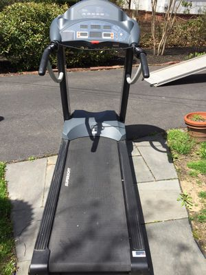 Nautilus NTR 800 Treadmill for Sale in Cave Creek, AZ