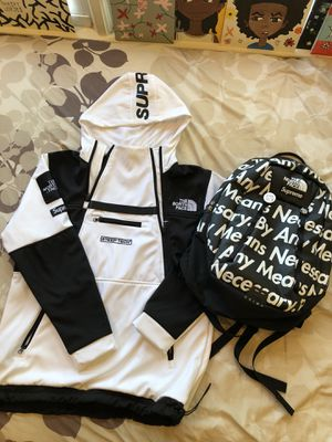 Unauthentic Northface Supreme Colab Jacket for Sale in Sterling, VA