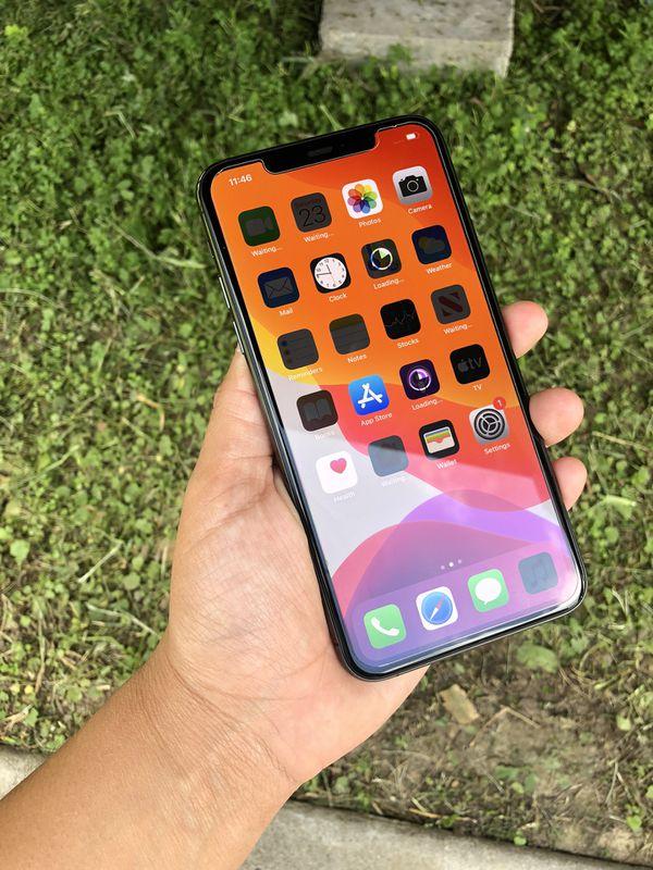 Factory unlocked iPhone 11 Pro Max like new 256gb!!