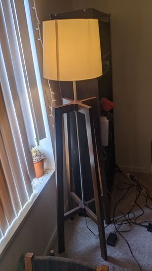 Floor lamp with adjustable brightness for Sale in Adelphi, MD