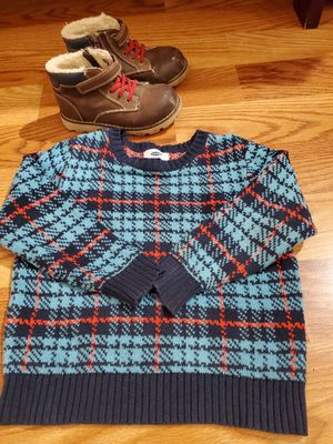 Shoes and sweater for Sale in Schaumburg, IL