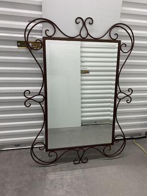 Mirror for Sale in Las Vegas, NV