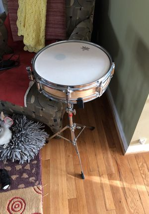 Almost new Barely ever used Snare drum with stand for Sale in Vienna, VA