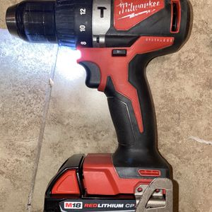 Milwaukee M18 Brushless Cordless Drill 1/2inch Drive With 2.0 Battery for Sale in Dallas, TX