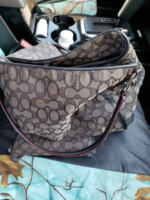 Coach purse and wallet for Sale in Thaxton, VA