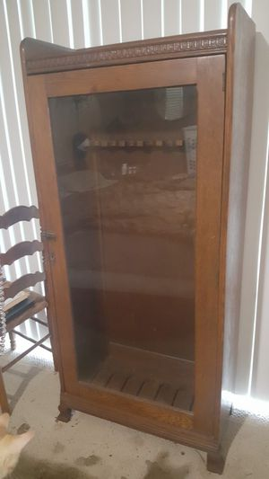 Antique gun cabinet for Sale in Bradenton, FL