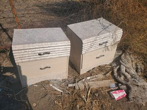 Free nightstands for Sale in Los Angeles, CA