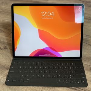 """New Space Gray iPad Pro 12.9"""" 256 GB Bundle with Magic Keyboard & Apple Pencil for Sale in Lake Elsinore, CA"""