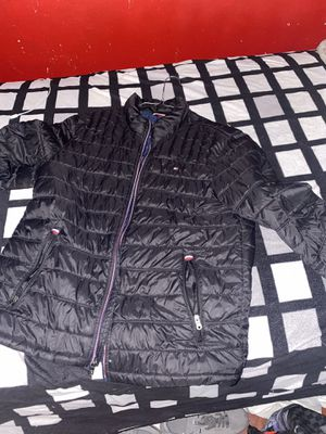 Tommy Hilfiger puffer jacket for Sale in Redondo Beach, CA