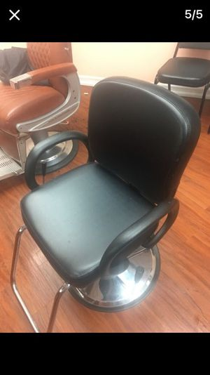 (2) Sillas De Barber Shop Barberia En Buena Condiciones for Sale in Hazleton, PA