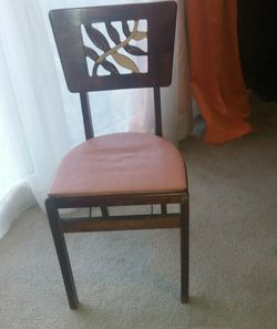 Vantage style folding chair for Sale in Montgomery Village,  MD
