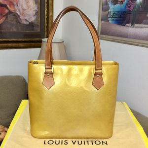 Louis Vuitton Vernis Houston Tote Bag 💼 Yellow for Sale in Mesa, AZ