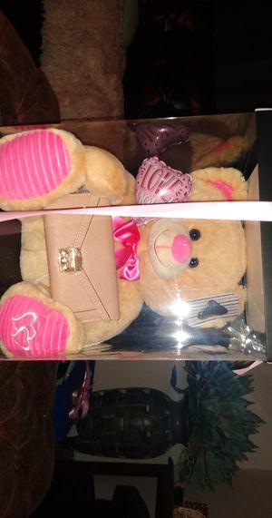 Teddy bear for Sale in Bell Gardens, CA
