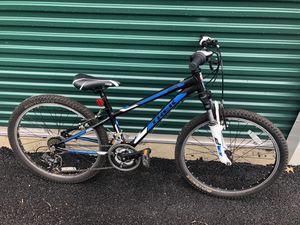Trek MT 220 boys mountain bike for Sale in Glen Carbon, IL