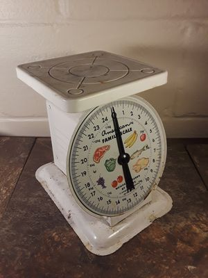 Old kitchen scale for Sale in East York, PA
