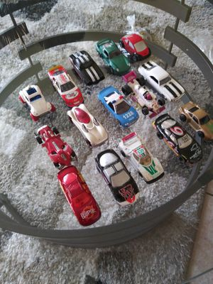 Sports & outdoors..Look lot of 15 used hot wheels cars.Collectibles#2 for Sale in Lincoln Acres, CA