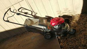 Honda lawn mower for Sale in Oakland, CA