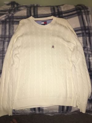 Tommy Hilfiger sweater XL for Sale in Fresno, CA