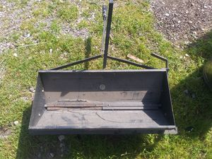 Riding lawn mower fertilizer spreader for Sale in Waxahachie, TX