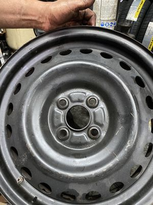 Rim for Sale in Opa-locka, FL