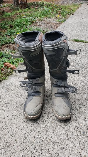 Thormx motor bike boots for Sale in Gig Harbor, WA