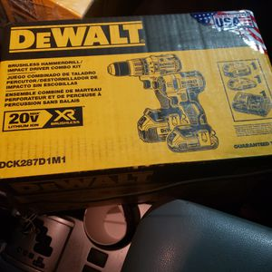 Dewalt 20 volt brushless xr hammer drill impact driver combo kit brand new for Sale in Federal Way, WA
