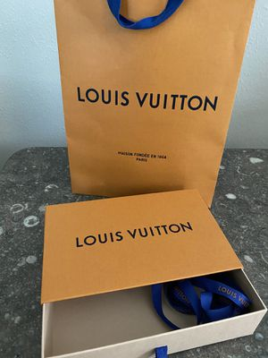 Authentic Louis Vuitton LV Box and Bag for Sale in Bradenton, FL