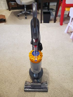 Dyson Ball Vacuum Cleaner for Sale in St. Louis, MO