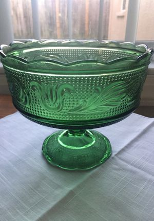 Vintage E O Brody Emerald Green Pressed Glass Pedestal Bowl/Candy Dish for Sale in New Port Richey, FL