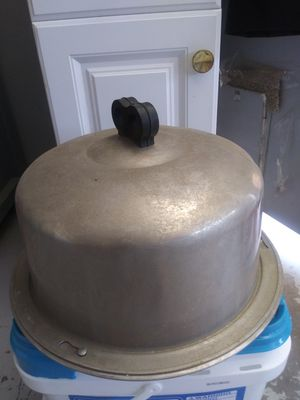 Vintage cake carrier for Sale in Victorville, CA