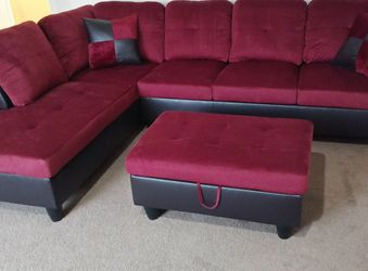 New sectional with storage Ottoman for Sale in Des Moines,  WA