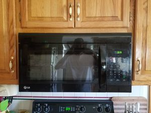 Over the range LG microwave for Sale in Plattsburg, MO