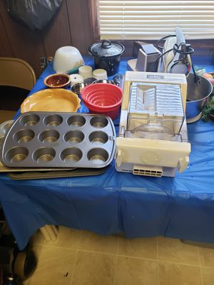 Kitchen ware, pasta machine, mixer, muffin pans, etc for Sale in Ocean Pines, MD