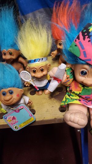 Troll dolls lot of 17 selling for $100 for Sale in Sweet Home, OR