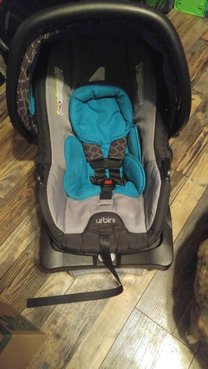 Urbini infant car seat and base. for Sale in Burnsville, NC