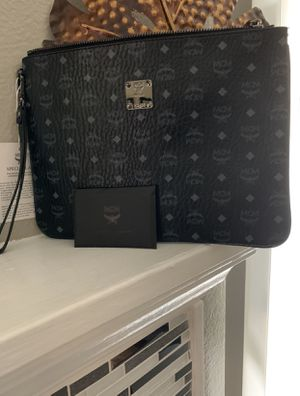 CLUTCH WRISTLET for Sale in Fort Worth, TX